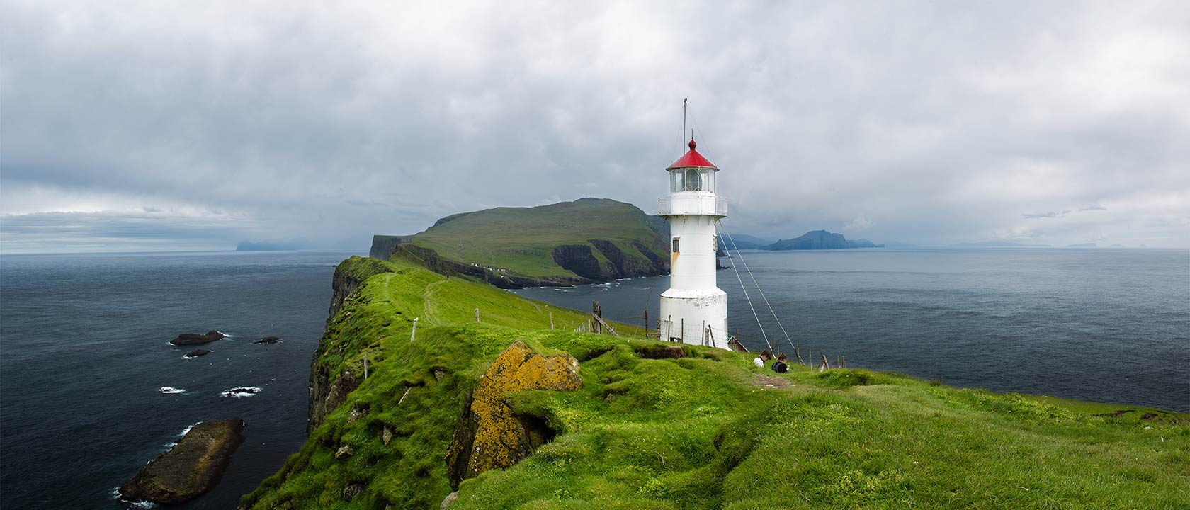 Guide to Mykines: jump on and join thousands of puffins